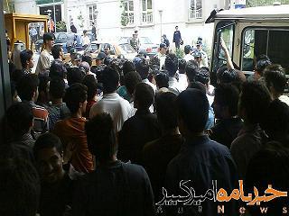 تحصن در مقابل دانشکده شمسی پور